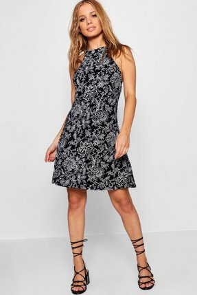 Club L Plus Size Skater Dress In Paisley Print With Open Neck Red