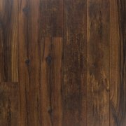 Garnet Lumber Variedad Embossed in Register Laminate